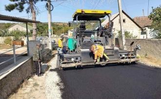 Guvernul va continua să investească miliarde de lei în reparația drumurilor