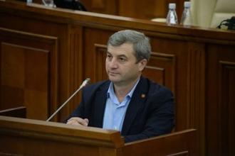 Corneliu Furculiță către deputatul PAS Dan Perciun: Parlamentul nu este locul pentru meditații