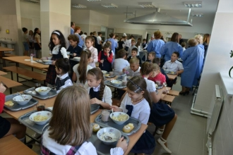 Mai mulți bani pentru alimentația elevilor