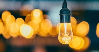 Din 01 februarie, vom plăti mai puțin pentru energia electrică. ANRE a aprobat noile tarife