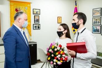 Încă o promisiune realizată: Igor Dodon s-a întâlnit cu familia Gheorghița, pe care a ajutat-o să se reunească