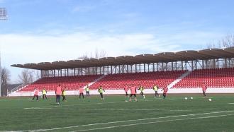 Antrenamente pe stadion nou
