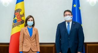 """Deputat PSRM, către ambasadorul UE: Maia Sandu a fost parte a """"poveștii de succes"""" în perioada când a fost furat un miliard"""