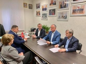 Igor Dodon spune că PSRM a avut azi discuții cu toate fracțiunile parlamentare privind depășirea crizei politice