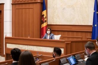 Igor Dodon spune că Maia Sandu a preluat practica lui Plahotniuc de a purta consultări cu societatea civilă loială