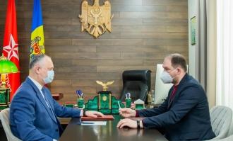 Igor Dodon a discutat cu Ion Ceban despre măsurile de combatere a pandemiei și proiectele în derulare din Chișinău