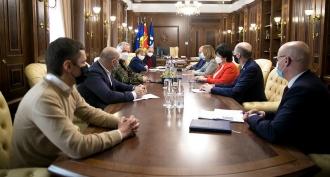 Președintele Parlamentului a discutat situația pandemică din țară cu membrii Guvernului în exercițiu