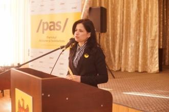 Deputata PAS, care se lăuda că a distrus tehnica Parlamentului, acuzată că și-a ascuns averea