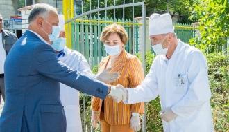 Igor Dodon: Sunt ferm convins de faptul că majorările salariilor angajaților medical trebuie să continue și în anii următori