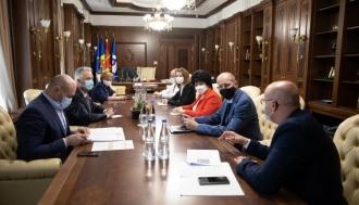 Președintele Parlamentului Zinaida Greceanîi a convocat o ședință de lucru cu membrii Guvernului în exercițiu