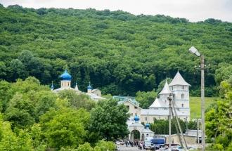 Igor Dodon i-a îndemnat pe creștini să viziteze mănăstirea de la Călărășeuca