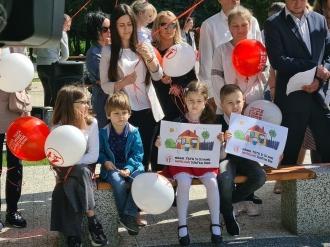 """Săptămâna Familiei în Moldova: Organizatorii anunță un concurs de desene """"Mama, tata și cu mine, împreună cu mine"""""""