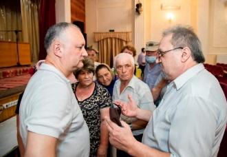 Localnicii din Căușeni l-au rugat pe Dodon să soluționeze problema privind relansarea în Rusia a exporturilor fără taxe a produselor agricole
