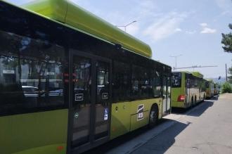Primele autobuze pentru suburbii