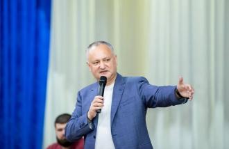 Oamenii din Vulcănești l-au rugat pe Igor Dodon să-i sprijine la proiectele de reparație a drumurilor și a obiectelor de menire socială