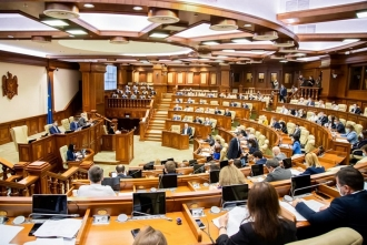 Deputații PAS și cei din fracțiunea Șor, front comun împotriva proiectelor ce prevăd susținerea agricultorilor, mediului de afaceri și diasporei