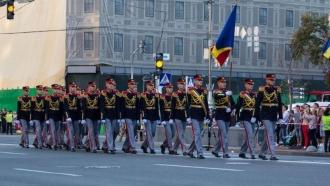 La Moscova - NU, la Kiev - DA! Militarii moldoveni participă la parada din Ucraina