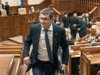 Un politolog îndeamnă PAS și pe Igor Grosu să își revadă viziunea despre transparența decizională, care trebuie să fie un principiu funcțional și nu de fațadă