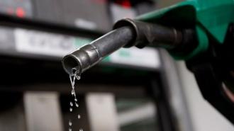 Benzina costă 20,70 lei cu 9 bani mai mult decât ieri, iar motorina 16,69 lei, în creștere cu 3 bani