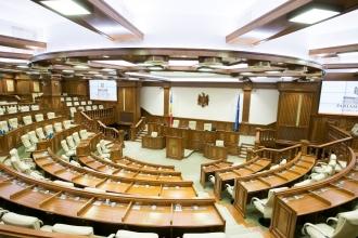 Președintele Parlamentului susține că va interzice deputaților nevaccinați să intre în sala plenului