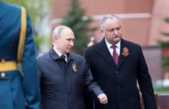 Igor Dodon l-a felicitat pe Vladimir Putin cu ocazia zilei de naștere