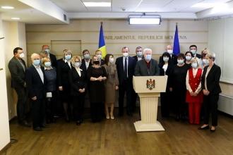 Comuniștii și Socialiștii boicotează ședința Parlamentului în semn de protest față de dictatura instituită de PAS