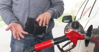 Azi stațiile PECO au afișat prețuri mai mari la benzină, motorină și gaz