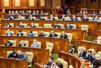 Литвиненко опозорили в парламенте за отсутствие маски: А обычных граждан штрафуете на тысячи леев