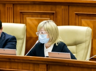 Elena Bodnarenco, către PAS: Două milioane de lei pentru Președinție aveți, iar bani pentru familiile medicilor decedați, nu aveți