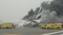 Un avion s-a prăbuşit la aterizarea pe aeroportul din Dubai