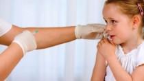 Aproximativ 15 mii de fetiţe vor fi vaccinate gratuit pentru prevenirea can ...