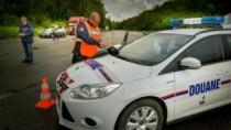 Moldovean, prins de vameșii francezi cu peste 244.000 de euro ascunşi în va ...