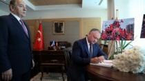 Șeful statului a semnat în Cartea de condoleanțe, deschisă la Amabasada Tur ...