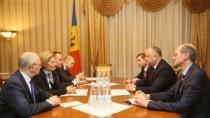 Președintele țării solicită Rusiei eliminarea taxelor vamale pentru unele c ...
