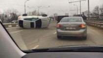 Accident pe Viaduct; Șoferița unui BMW X6, s-a răsturnat