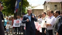 Protest în fața Curții Constituționale, împotriva tentativei de a priva lim ...