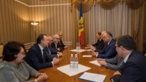 Igor Dodon pledează pentru dezvoltarea cooperării Camerelor de Comerț și In ...