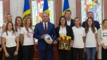 Preşedintele îi încurajează pe sportivi
