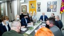 """Igor Dodon a discutat cu membrii Comitetului Național """"Victorie"""" despre acț ..."""